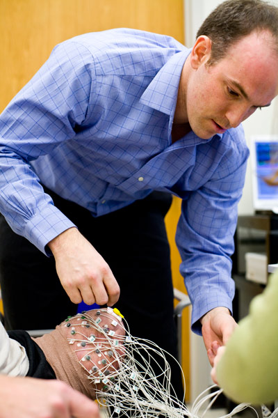 Dr. Levi Hargrove, an expert on bionics, will speak at UNB Fredericton on Nov. 8 and UNB Saint John on Nov. 9, 2016. Photo credit: The Rehabilitation Institute of Chicago